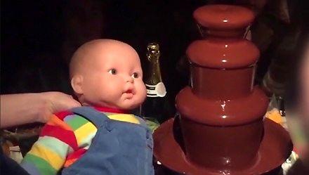 Ta czekoladowa fontanna to najgłupsza rzecz, jaką dzisiaj zobaczysz