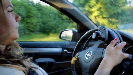 Bez nóg też można jeździć autem, bo prowadzi się głową, a nie nogami!