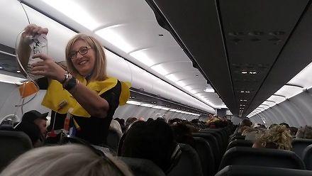 Jak zwrócić uwagę pasażerów na instrukcje bezpieczeństwa?