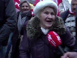 Babcia z Marszu Niepodległości podbija serca internautów