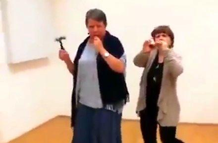 To nie wideo z psychiatryka, to tylko niemieckie feministki