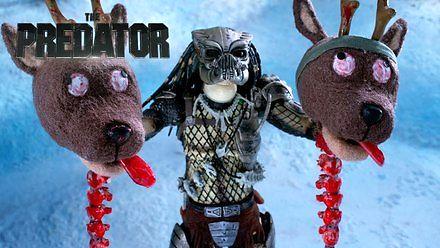Krótka animacja o konfrontacji Predatora z personelem Mikołaja