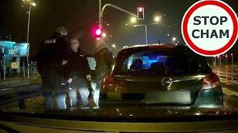 Pijany kierowca, nieustępliwość, zatrzymanie przez policję i kolizja