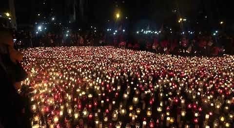 30 tysięcy zniczy, tysiące Gdańszczan i 'The sound of silence'