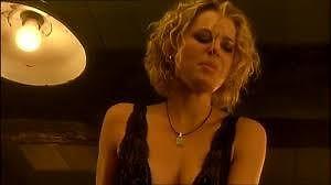 Rebecca Romijn i jej striptiz w filmie Famme Fatale