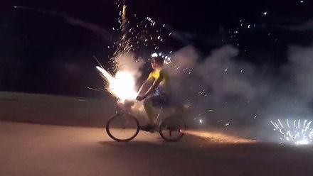 Wystrzałowa przejażdżka rowerem