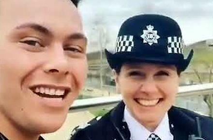 Zabawy z brytyjskimi policjantami