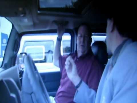 Borat kupuje auto z magnesem