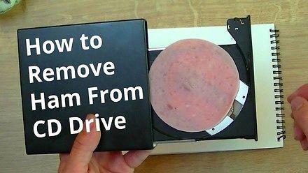 Jak usunąć szynkę z napędu CD?