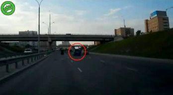 Jedna kobieta i dwie kolizje na rosyjskiej drodze