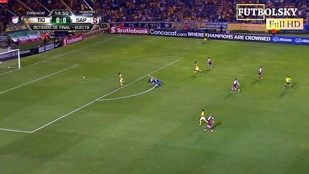 Spektakularny gol samobójczy obrońcy