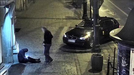 Krakowski taksówkarz okradł nietrzeźwego mężczyznę