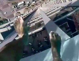 Przechadzka w basenie... na 42. piętrze