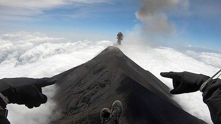 Lot nad aktywnym wulkanem