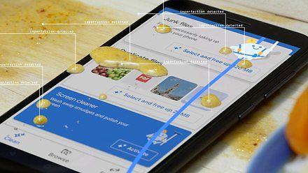 Nowość od Google - aplikacja do czyszczenia telefonu od zewnątrz
