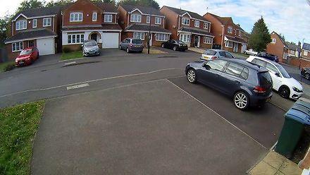 Próba kradzieży samochodu w biały dzień w Birmingham