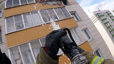 Gaszenie pożaru na 11 piętrze