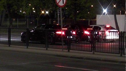 Nocne wyścigi samochodowe na ulicach Gdańska.
