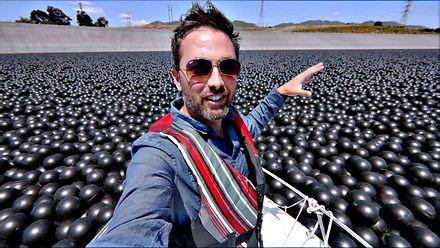 Dlaczego Los Angeles pokryło swój zbiornik na wodę 96 milionami czarnych piłeczek?