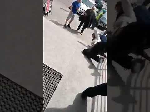 Atak nożownika na policjanta w Busku-Zdroju
