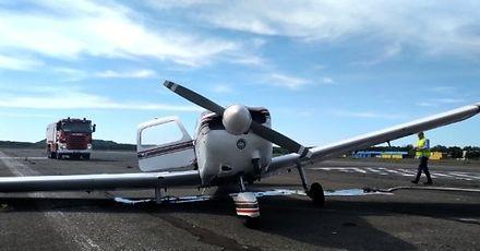 Brawo dla pilotki! Awaryjne lądowanie na warszawskim lotnisku Babice zakończyło się sukcesem