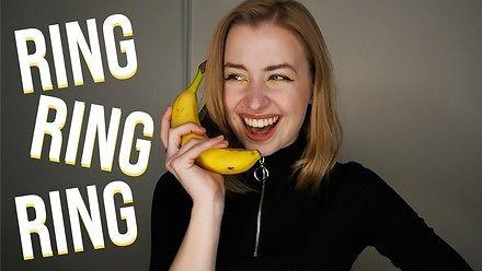 Creepy piosenka o bananowym telefonie
