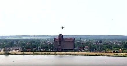 Samolot Jak-52 wpadł do Wisły na Pikniku Lotniczym w Płocku