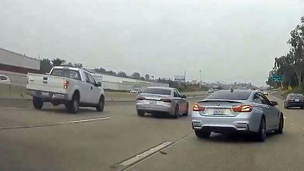 Wyścigi dwóch debili na autostradzie