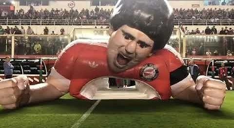 Śpiewający dmuchany Maradona