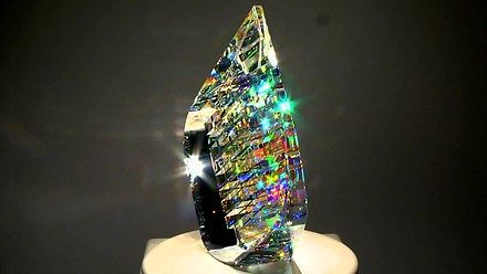 Niesamowite rzeźby z klejonego szkła