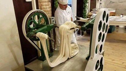 Robienie cukierków starodawną metodą
