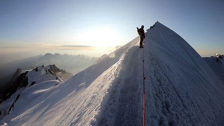 Ostatnie 200 metrów do szczytu Mont Blanc