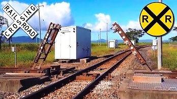 Nietypowe skrzyżowanie torów kolejowych