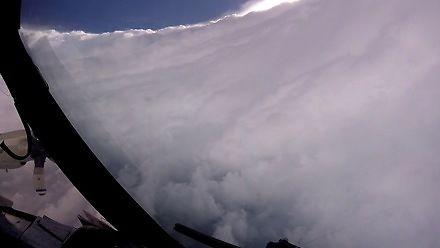Przelot przez oko huraganu Dorian
