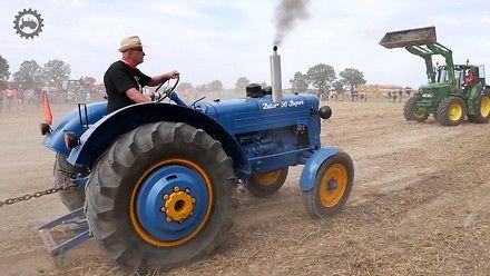Zabytkowe ciągniki i traktor pulling w Wilkowicach