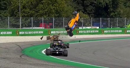 Spektakularny wypadek Alexa Peroniego w Formule 3