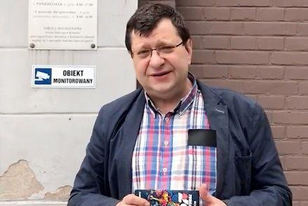Zbigniew Stonoga wyszedł na wolność i już nagrywa filmy w starym stylu