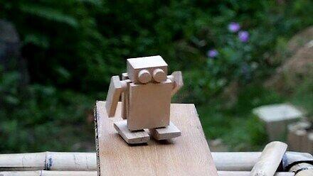 Chiński ręcznie robiony drewniany robocik