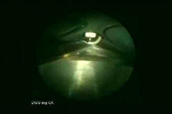 Z kamerą w cylindrze silnika