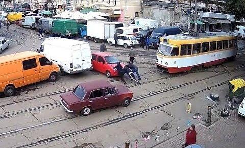 Chora akcja na skrzyżowaniu w Odessie