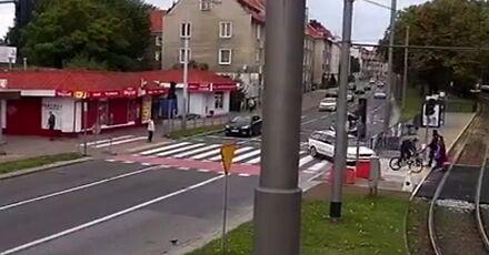 Carmageddon w Gdańsku! Kierowca passata celowo potrącił rowerzystę