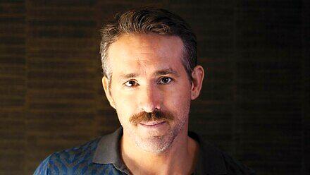 Ryan Reynolds przeprasza za to