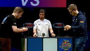 Bliźniacy układają kostkę Rubika w mistrzostwach świata