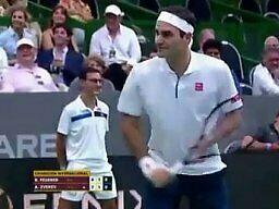 Federer robi przerwę w meczu, żeby zapozować do zdjęć