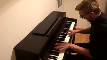 """Polak """"grosza daje wiedźminowi"""" na pianinie"""