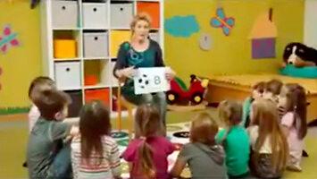 Dzieci w Niemczech uczą się alfabetu