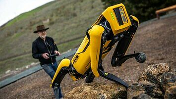 Adam Savage testuje robota z Boston Dynamics