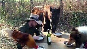 A ty z kim najczęściej jesz posiłki?