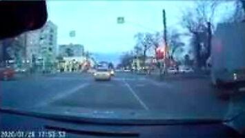 Wideo zwykłego ruchu drogowego z miasta Majkop w Rosji