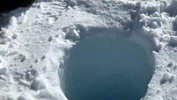 Tak brzmi dziura w lodzie